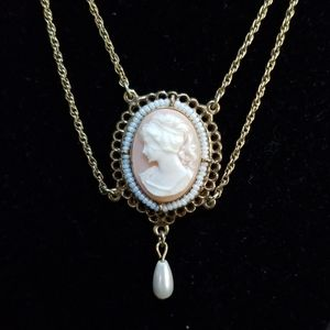 1928 vintage cameo necklace